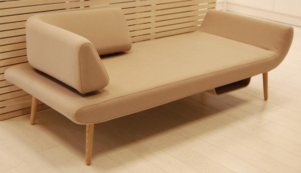 moderni-minimalistine-sofa