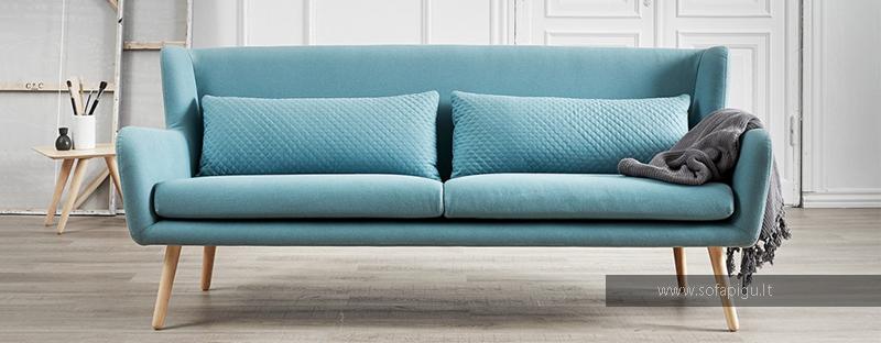 patogi-skandinavisko-stiliaus-triviete-svetaines-baldai-sofa